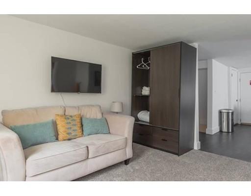 Casa Unifamiliar por un Alquiler en 158 Everett Street Boston, Massachusetts 02128 Estados Unidos