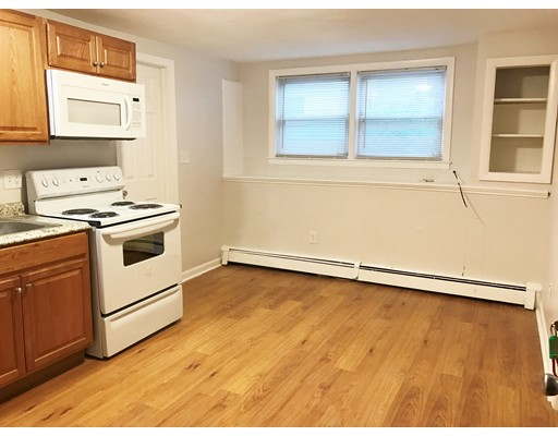 Additional photo for property listing at 2 Granite Street  莫尔登, 马萨诸塞州 02148 美国