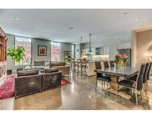 Condominio por un Venta en 346 Congress Street Boston, Massachusetts 02210 Estados Unidos