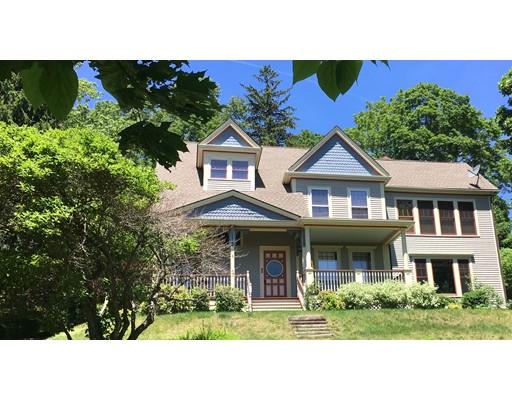 واحد منزل الأسرة للـ Sale في 95 Prospect Street Amesbury, Massachusetts 01913 United States