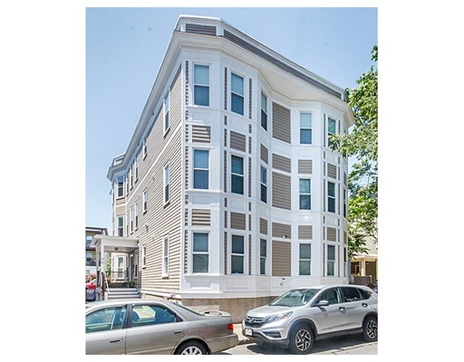 Condominio por un Venta en 81 Pine Street Cambridge, Massachusetts 02139 Estados Unidos