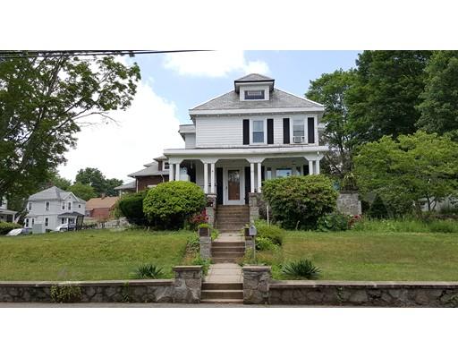 Maison unifamiliale pour l Vente à 117 Manomet Street Brockton, Massachusetts 02301 États-Unis