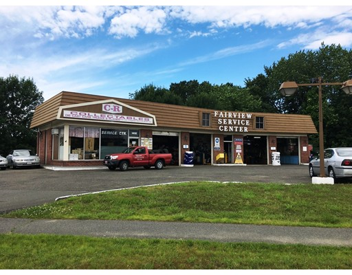 Commercial pour l Vente à 1492 Memorial Drive Chicopee, Massachusetts 01020 États-Unis
