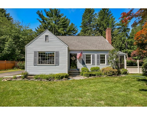 واحد منزل الأسرة للـ Sale في 13 Prospect Street Ashland, Massachusetts 01721 United States