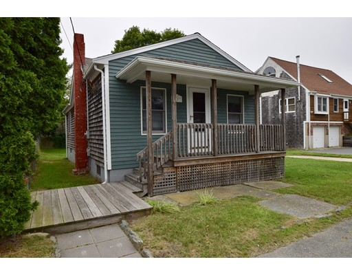 Additional photo for property listing at 74 Cove Street  Portsmouth, Rhode Island 02871 Estados Unidos