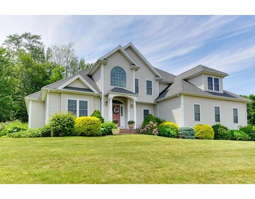 واحد منزل الأسرة للـ Sale في 4 Patriot Lane Hudson, Massachusetts 01749 United States