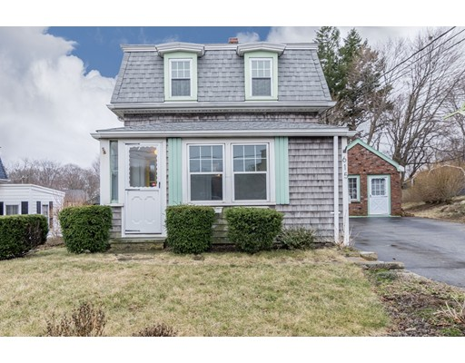 独户住宅 为 销售 在 615 Bridge Street 韦茅斯, 马萨诸塞州 02191 美国