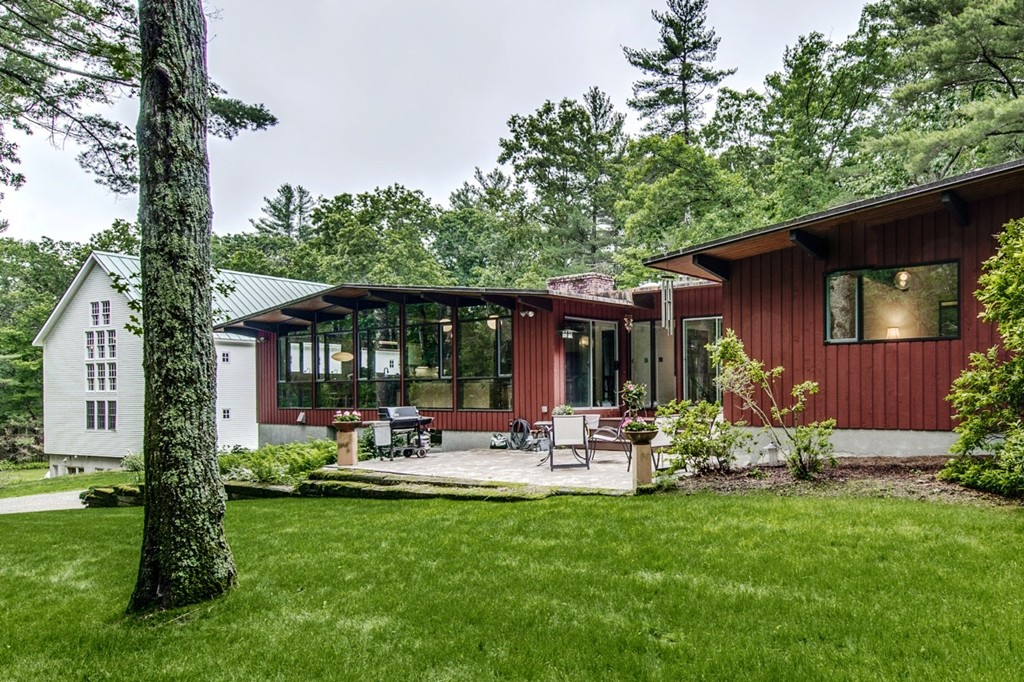 Carlisle homes for sale gibson sotheby 39 s international for Contemporary homes for sale in ma
