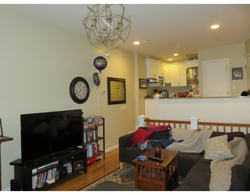 独户住宅 为 出租 在 23 Charter Street 波士顿, 马萨诸塞州 02113 美国