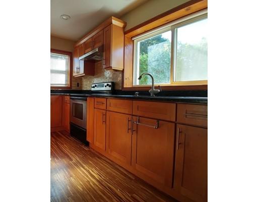 Casa Unifamiliar por un Alquiler en 5 Leary Road Enfield, Connecticut 06082 Estados Unidos