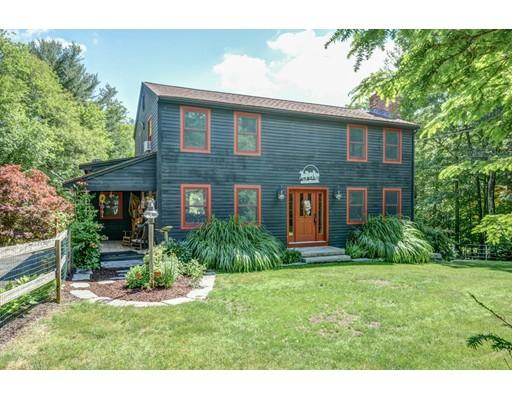 Casa Unifamiliar por un Venta en 97 NW Main Street Douglas, Massachusetts 01516 Estados Unidos