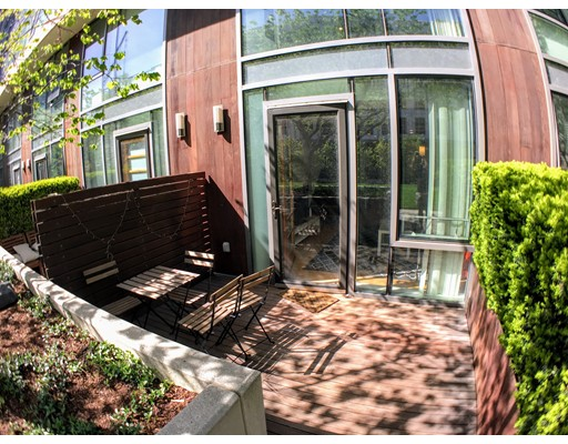 Additional photo for property listing at 2 Earhart Street  Cambridge, Massachusetts 02141 United States