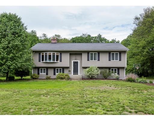 Maison unifamiliale pour l Vente à 237 Springfield Street 237 Springfield Street Wilbraham, Massachusetts 01095 États-Unis