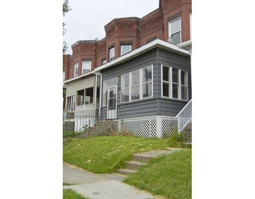 独户住宅 为 销售 在 155 Beech Street 155 Beech Street Holyoke, 马萨诸塞州 01040 美国