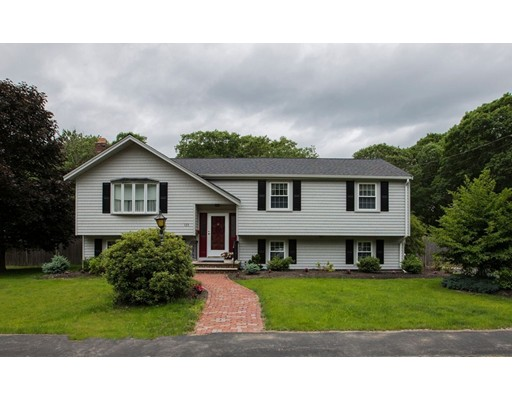 Single Family Home for Sale at 123 Cardinal Court Braintree, Massachusetts 02184 United States