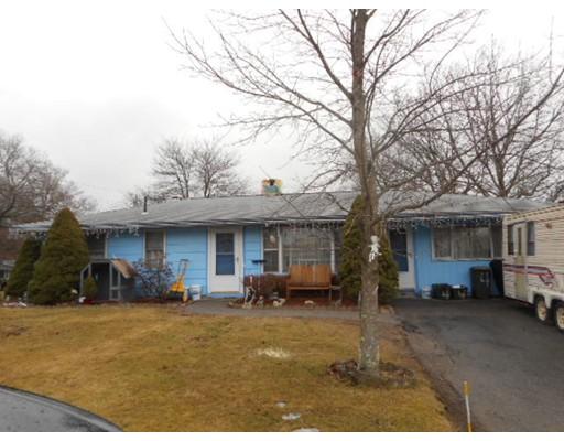 Maison unifamiliale pour l Vente à 4 Courtfield Drive Brockton, Massachusetts 02302 États-Unis