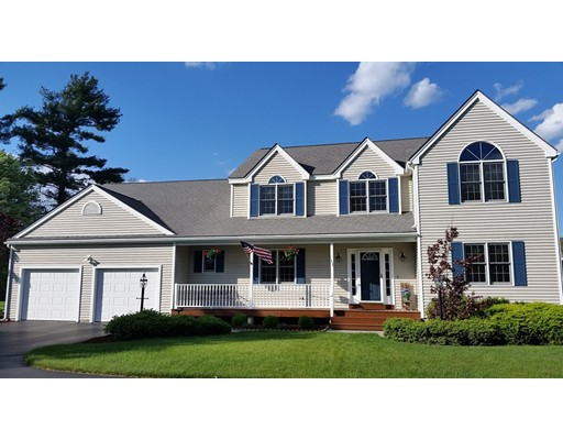 Single Family Home for Sale at 11 Buttermilk Way 11 Buttermilk Way Uxbridge, Massachusetts 01569 United States