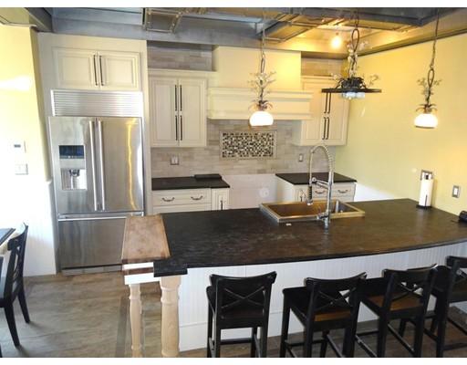 共管式独立产权公寓 为 销售 在 49 Marine Road 波士顿, 马萨诸塞州 02127 美国