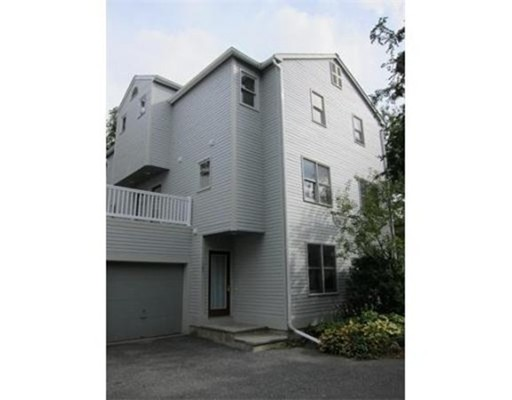 Casa Unifamiliar por un Alquiler en 121 River Street Newton, Massachusetts 02465 Estados Unidos