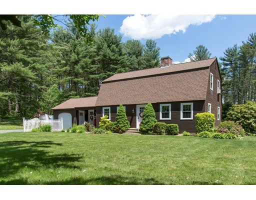 Single Family Home for Sale at 43 Mechanic Street Upton, Massachusetts 01568 United States
