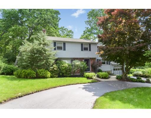 واحد منزل الأسرة للـ Sale في 16 Patriot Road Burlington, Massachusetts 01803 United States