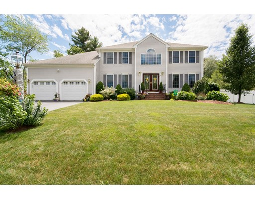 Single Family Home for Sale at 223 Whippoorwill Drive Raynham, Massachusetts 02767 United States