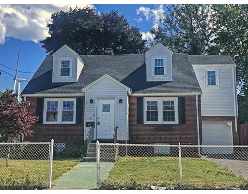 متعددة للعائلات الرئيسية للـ Sale في 109 Clinton Street Chelsea, Massachusetts 02150 United States