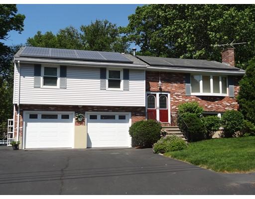 Maison unifamiliale pour l Vente à 1 Russell Circle Burlington, Massachusetts 01803 États-Unis