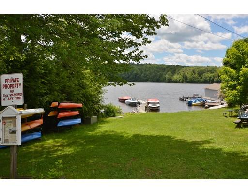 独户住宅 为 销售 在 120 Lands End Drive Tolland, 马萨诸塞州 01034 美国