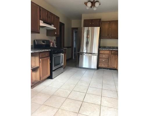 Частный односемейный дом для того Аренда на 40 Highland Ave #1 Arlington, Массачусетс 02476 Соединенные Штаты