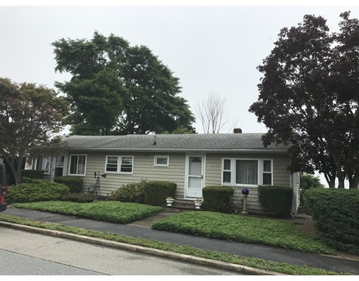 Casa Unifamiliar por un Venta en 36 Puritan Street Dartmouth, Massachusetts 02748 Estados Unidos
