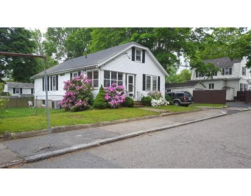 Maison unifamiliale pour l Vente à 224 Tribou Street Brockton, Massachusetts 02301 États-Unis