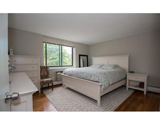 独户住宅 为 出租 在 519 Washington Street 布鲁克莱恩, 马萨诸塞州 02446 美国
