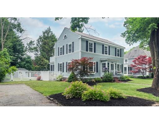 Maison unifamiliale pour l Vente à 51 Enmore Street Andover, Massachusetts 01810 États-Unis