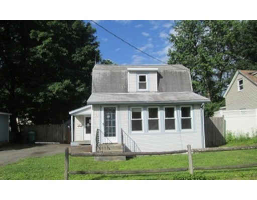 Single Family Home for Sale at 14 Elizabeth Street Lunenburg, Massachusetts 01462 United States
