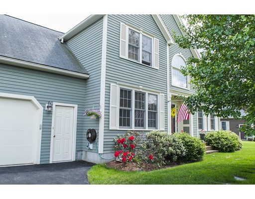 12 Stonewood Cir, North Attleboro, MA 02760