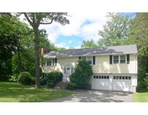 Частный односемейный дом для того Аренда на 9 Blueberry Circle Framingham, Массачусетс 01701 Соединенные Штаты