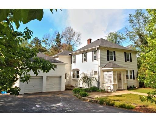 Maison unifamiliale pour l Vente à 45 West Division Street Holbrook, Massachusetts 02343 États-Unis