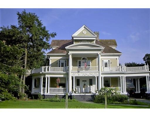 Многосемейный дом для того Продажа на 574 Newport Avenue Attleboro, Массачусетс 02703 Соединенные Штаты