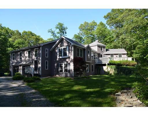 Maison unifamiliale pour l Vente à 60 Torrey Road Cumberland, Rhode Island 02864 États-Unis
