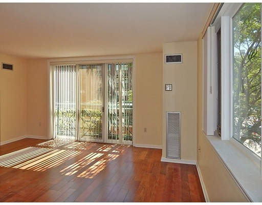 Condominium for Sale at 10 Rogers Street Cambridge, Massachusetts 02142 United States