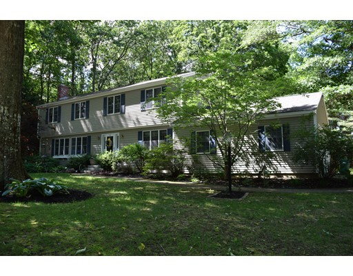 Single Family Home for Sale at 37 Deer Run Fremont, New Hampshire 03044 United States