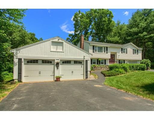Casa Unifamiliar por un Venta en 4 Dobson Road Chelmsford, Massachusetts 01824 Estados Unidos
