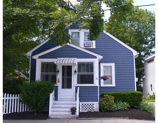 واحد منزل الأسرة للـ Sale في 20 Collins Street Amesbury, Massachusetts 01913 United States