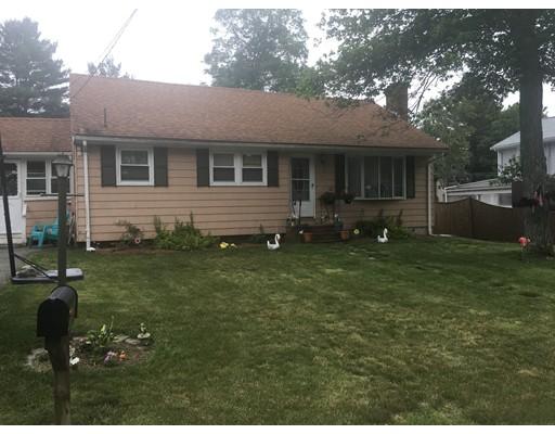 Maison unifamiliale pour l Vente à 90 Taft Brockton, Massachusetts 02301 États-Unis