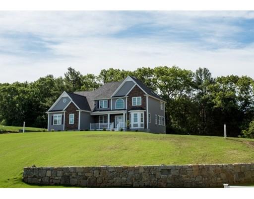 واحد منزل الأسرة للـ Sale في 8 Field Circle 8 Field Circle Wrentham, Massachusetts 02093 United States