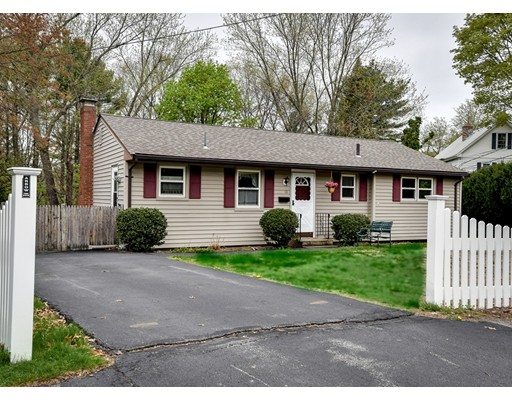 Single Family Home for Sale at 13 Prior Drive Framingham, Massachusetts 01701 United States
