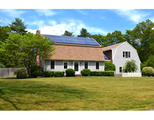 Single Family Home for Sale at 14 Old Farm Road 14 Old Farm Road Halifax, Massachusetts 02338 United States