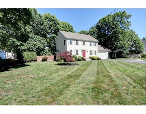 Single Family Home for Sale at 137 Lindsey Street Attleboro, Massachusetts 02703 United States