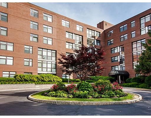Appartement en copropriété pour l Vente à 79 Florence St #600S 79 Florence St #600S Newton, Massachusetts 02467 États-Unis